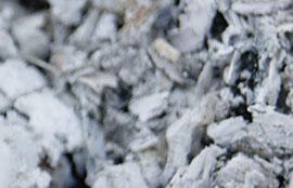 Использование золы из камина или котла