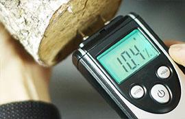 Значение влажности в древесном топливе